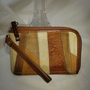 A9,299 Fossil Patchwork Wristlet Wallet Bag